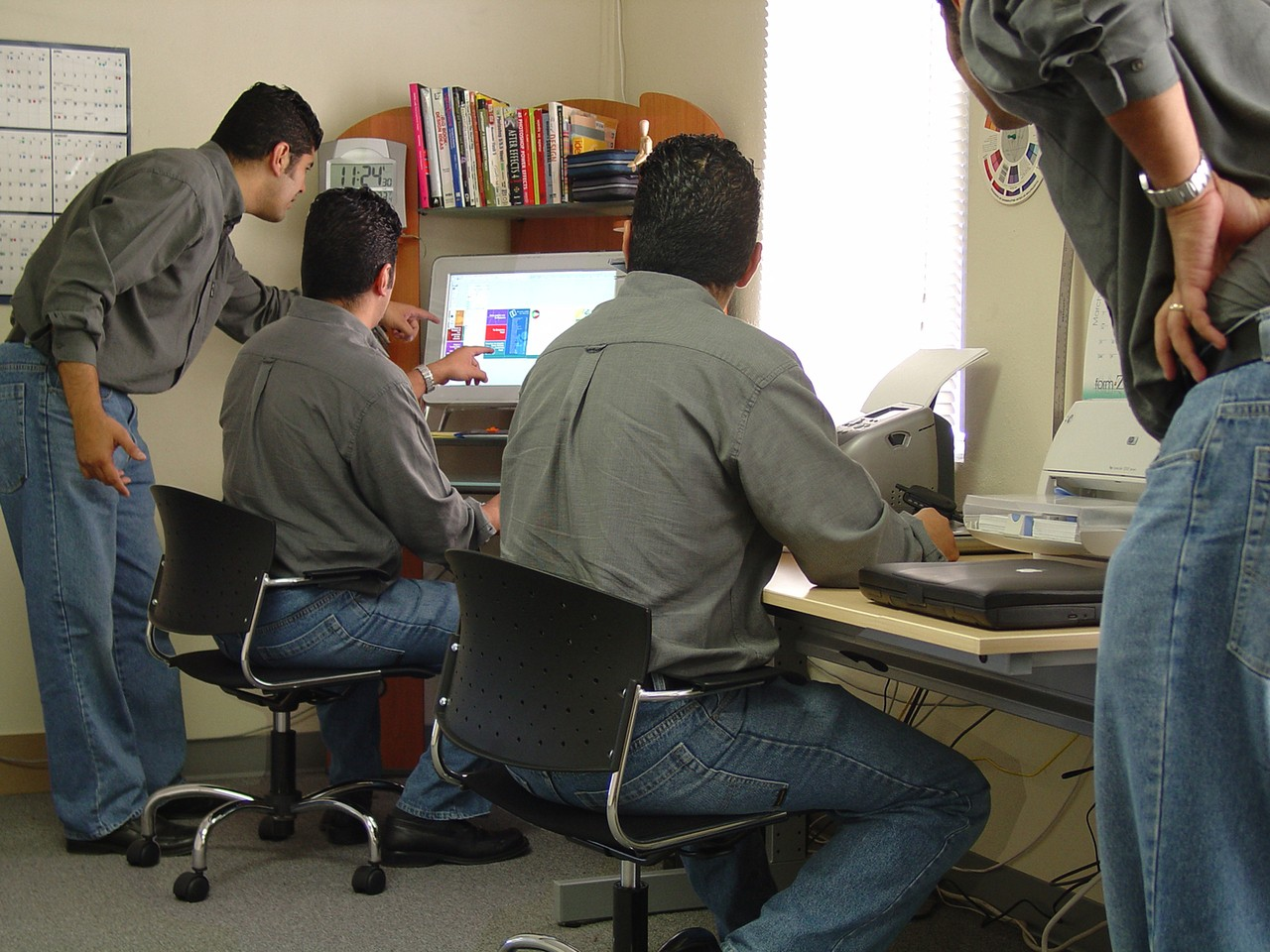 Instrukcje i poradniki użytkownika
