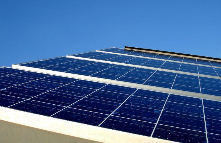 Kolektor słoneczny, czy panel fotowoltaiczny – co je łączy?
