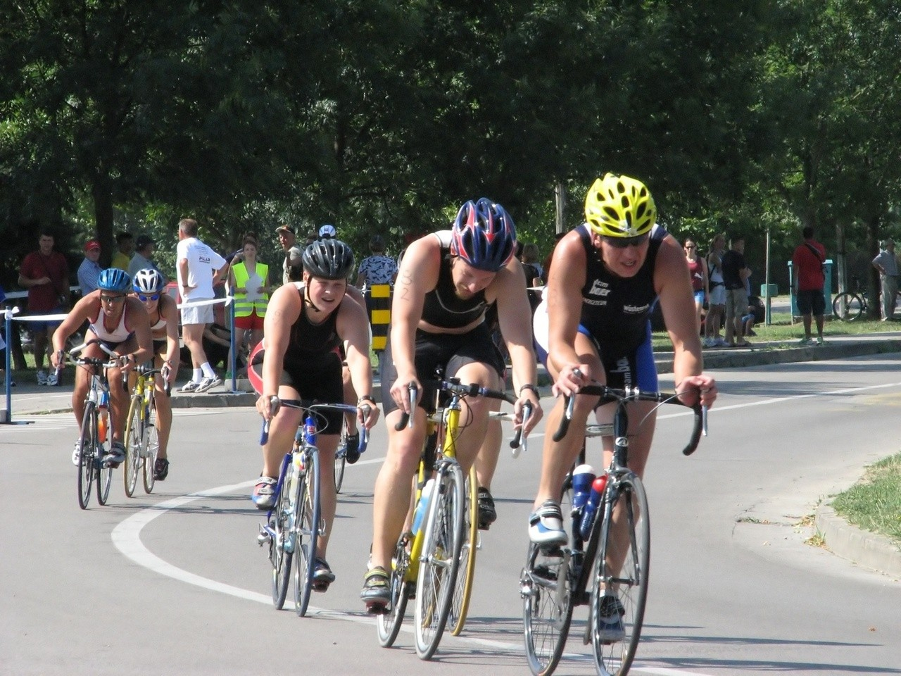 Droższy vs tańszy kask rowerowy – Poznaj ich różnice poza cenowe!